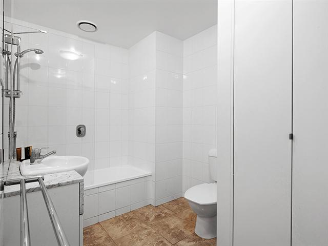 Melbourne Apartments Sub-penthouse bathroom
