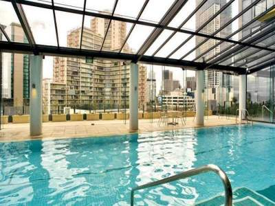 Melbourne Tower swimming pool
